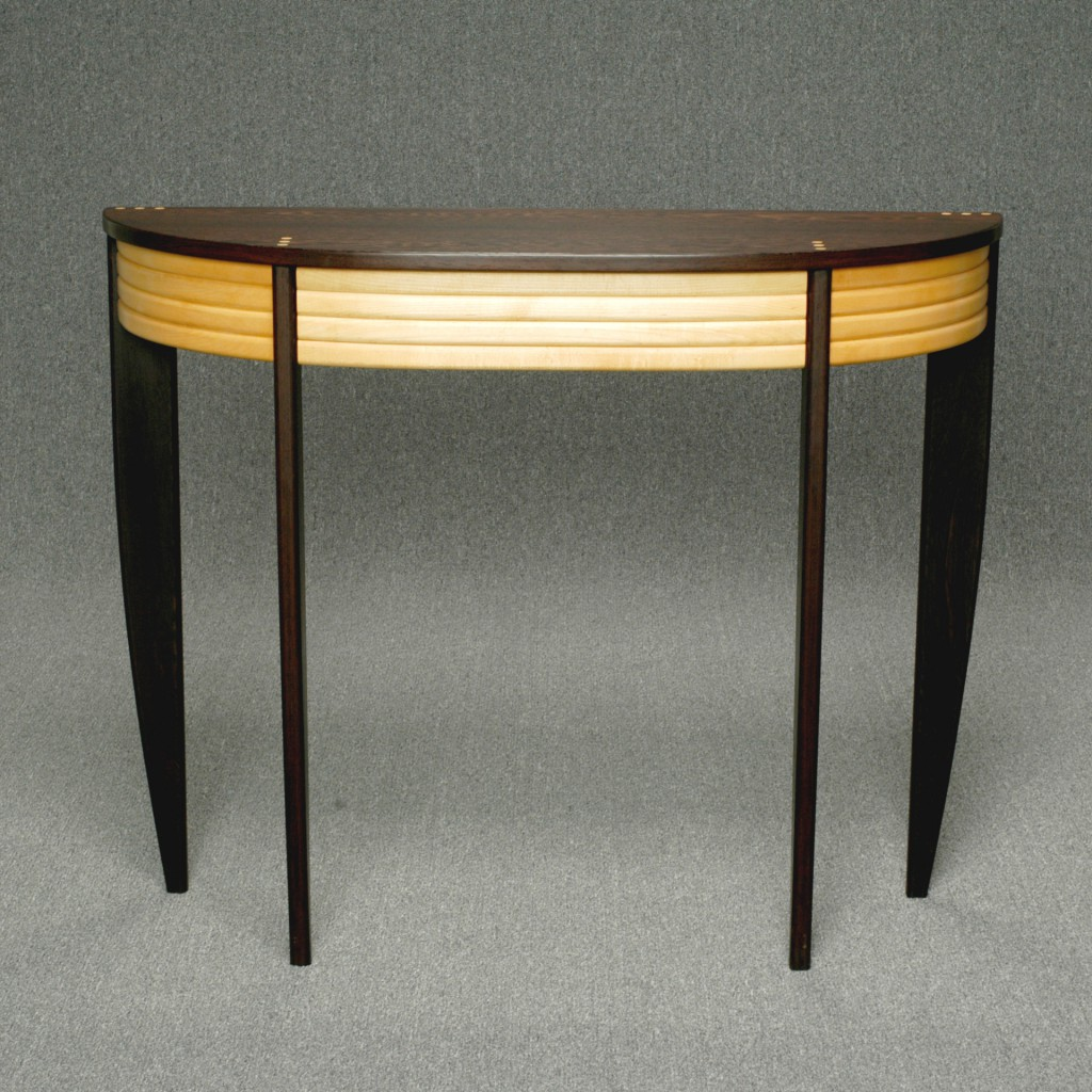 curved top table